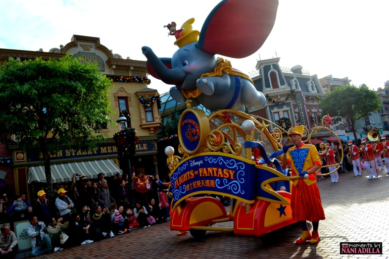 The 5pm Flight of Fantasy parade