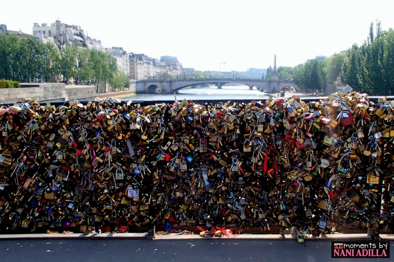 An estimated 700000 padlocks on Pont de l'Archevêché, causing the bridge to be maintained regularly