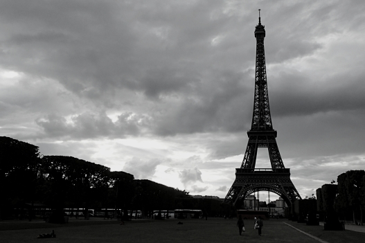 B&W Challenge Day 3/5 | As Audrey Hepburn says 'Paris is always a good idea' (Shot on Olympus TG-630)