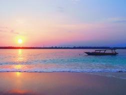 Sunrise | Gili Trawangan, Lombok, Indonesia (Shot on Olympus TG-630)